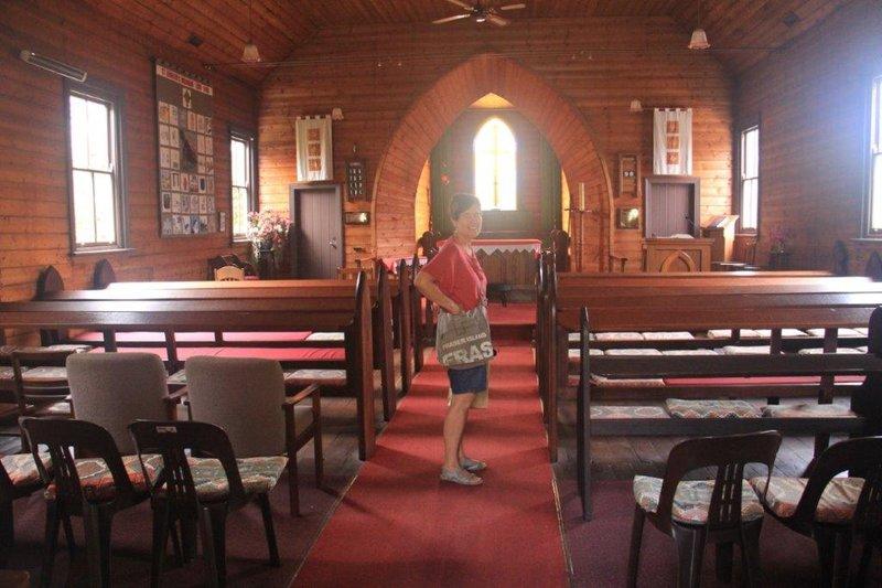St Leonards inside