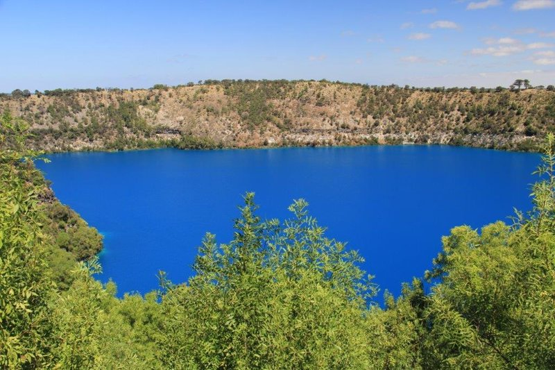 Surreal Blue Lake in Mt Gambier