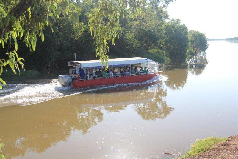 Tour entering Victoria River