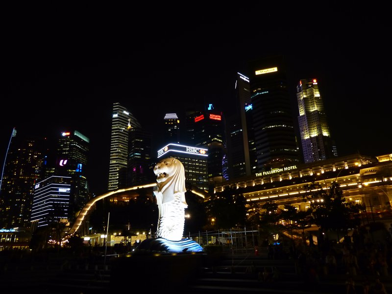 Marina Bay with the country's famous Merlion symbol