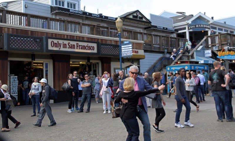 large_San_Fransi..ing_pier_39.jpg