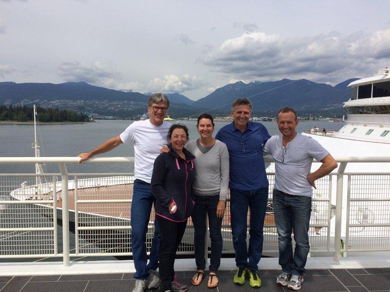 Tous réunis à Vancouver avant le départ.