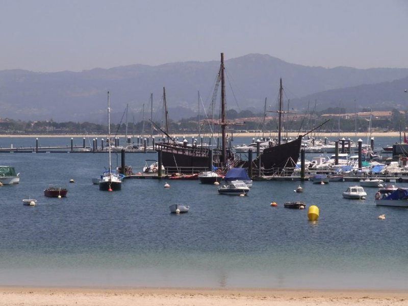 Baiona - La Pinta of Cristobal Columbus at the harbour