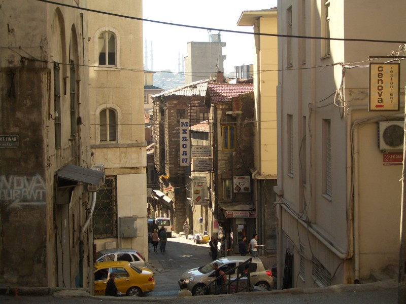 Istanbul 2007 - street in Karaköy