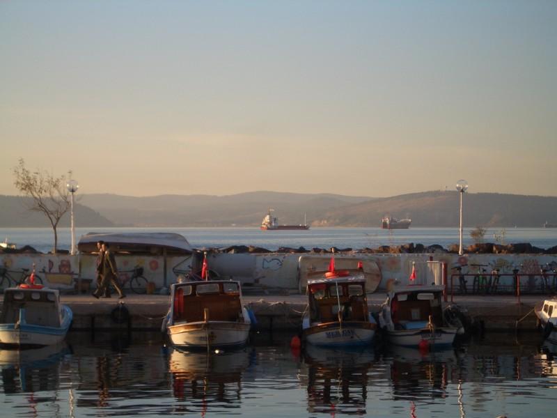 Çanakkale 2007 - boats at the promenade