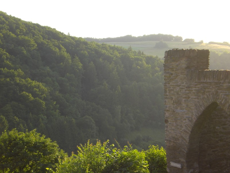 Hohenstein 2008 - castle at sun dusk