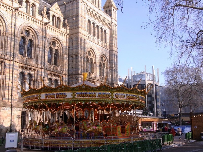 London Kensington - Natural History Museum and carrousel 2010