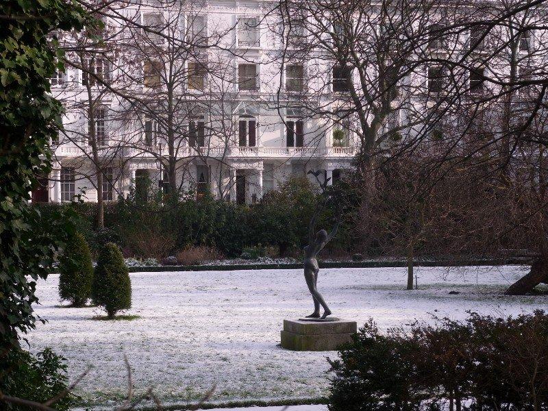 London Chelsea - Sloane Street gardens 2010