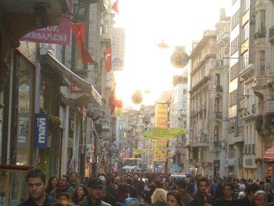 Istanbul 2007 - Main shopping street in Beyoglu