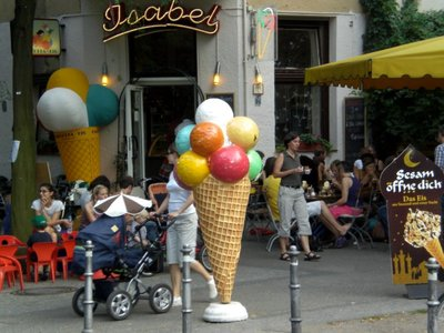 Berlin 2008 - Ice cream in Kreuzberg