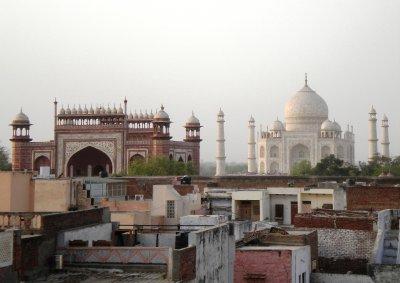 Agra_-_Taj..m_hotel.jpg
