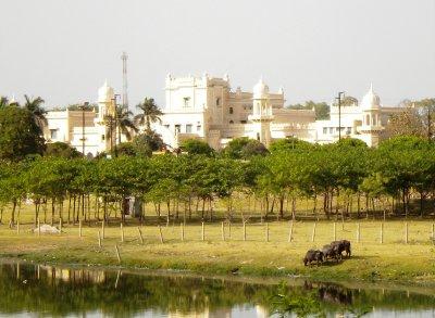 Lucknow_-_..ity__1_.jpg
