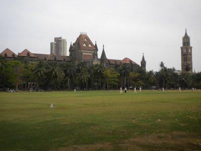 Mumbai_-_C..h_Court.jpg