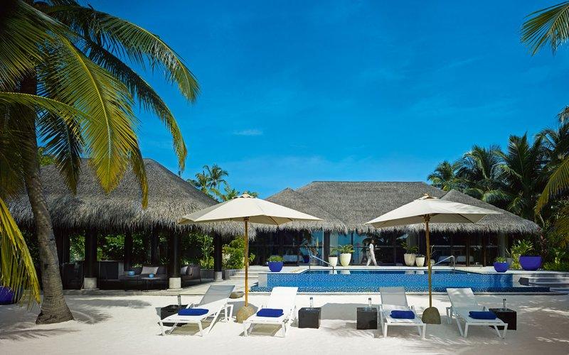 beach pool house