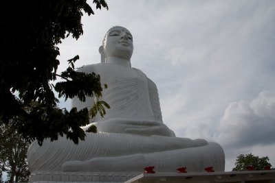 Kandy_Hill..anda_Buddha.jpg