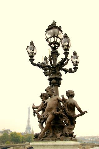 Bridge sculptures