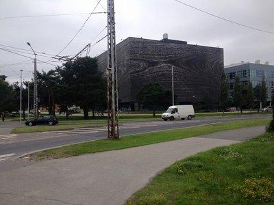 Tallin_cool_building.jpg