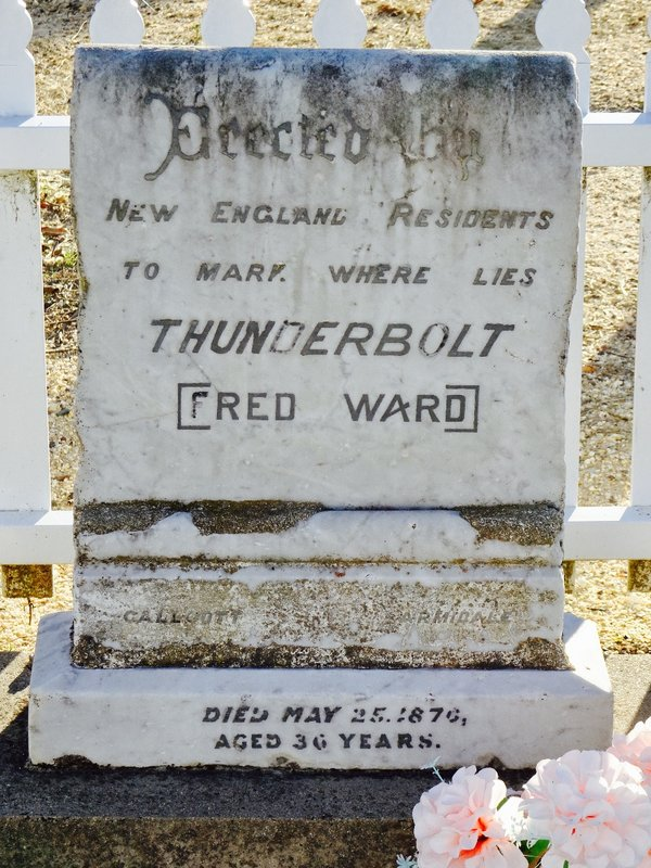 The gravestone of Fred Ward (Thunderbolt) is in the old Uralla Cemetery.