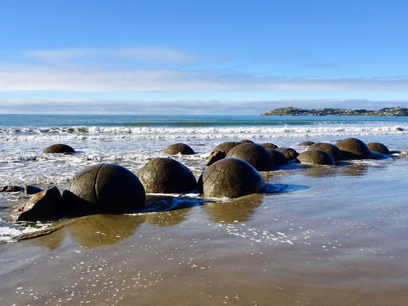 There are around 50 (mostly symmetrical) boulders of varying sizes on this beach. With coastal erosion more will eventually show up.