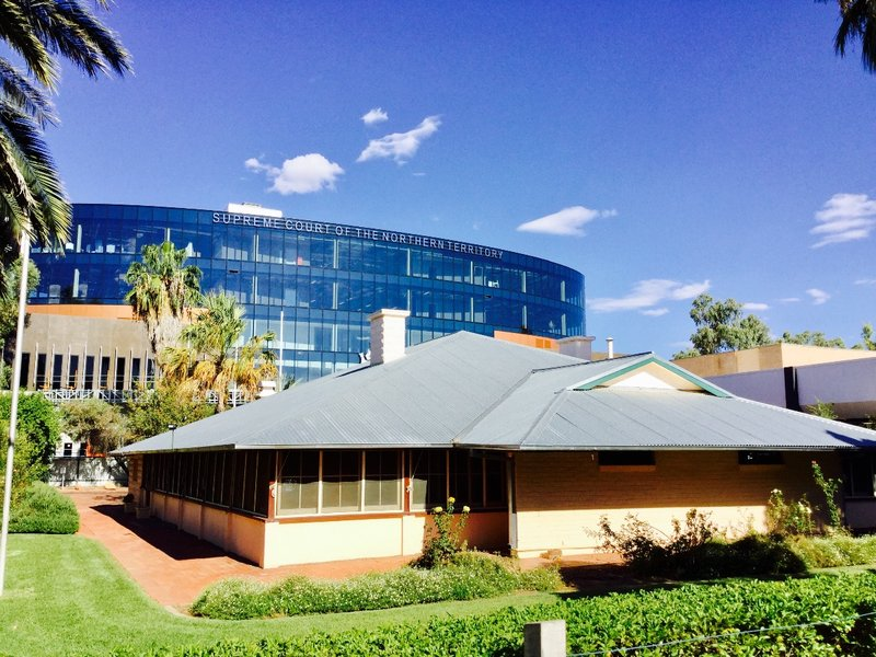 The Residency was built in 1928 to house the Government Representative. It has become a symbol of the brief legislative independence that Central AU had from the NT. In the background is the Supreme Court building of the Northern Territory.