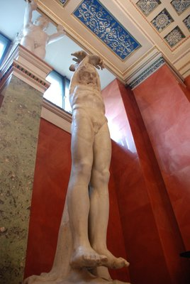 St.Petersburg (Hermitage) - Outstreched man