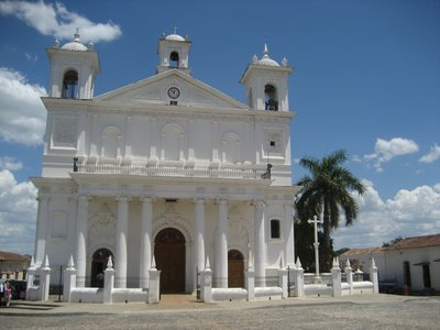 Suchitoto - Church at Parque Centenario