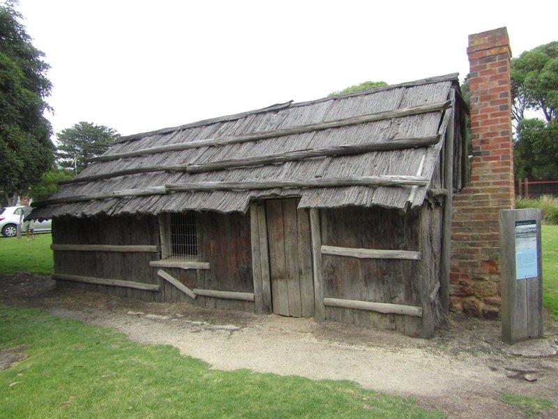 Bart Hut, a replica of a settler's house