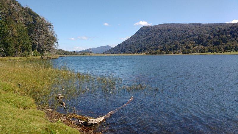 Lago Rosales, a short hike