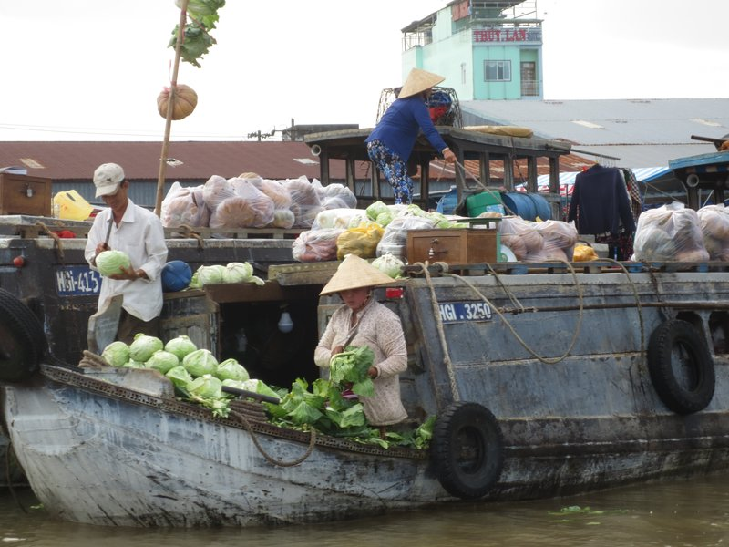 Sellers in the floating market