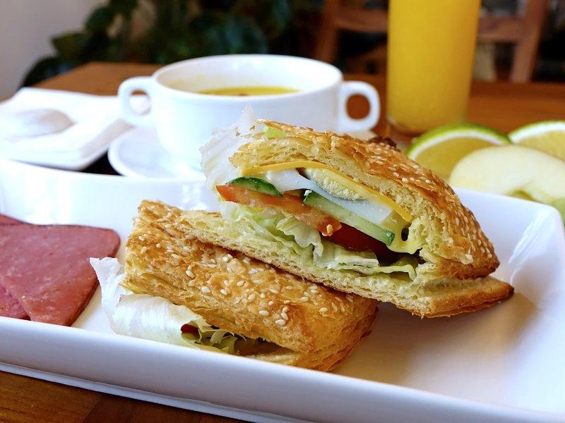 breakfast-1059493_1920