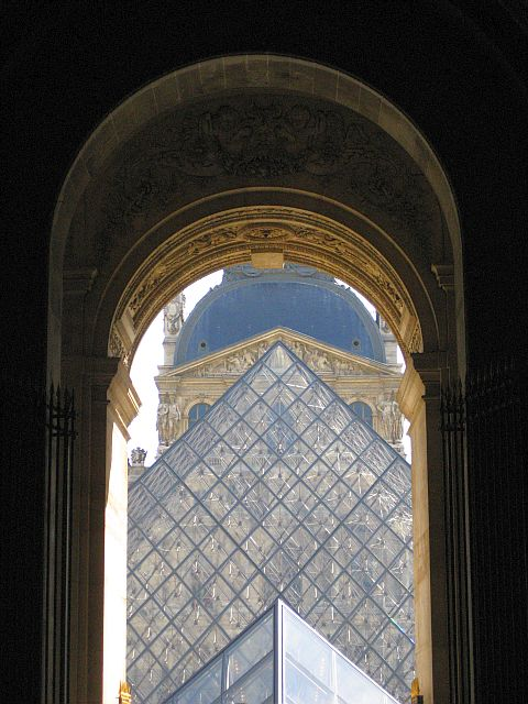 3-Louvre triangle through arch