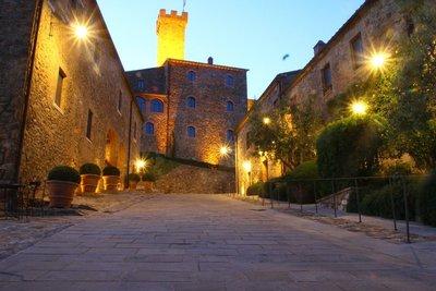 CastelloBa..no_Italy_16.jpg