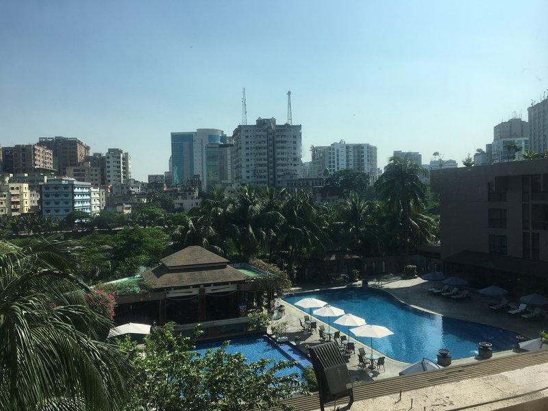 large_hotel2.jpg