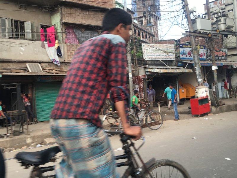 large_rickshaw_man.jpg