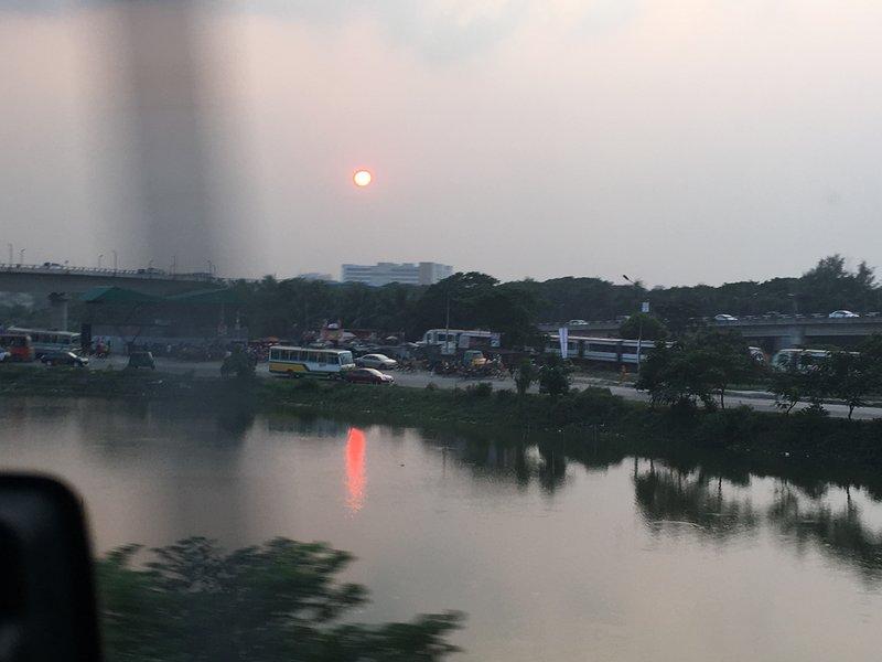 large_sun_set_lake.jpg