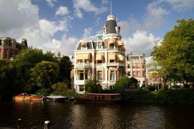 144017005908716-aussirose_ad.._Amsterdam.jpg