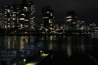 24_Vancouver_Night_3.jpg