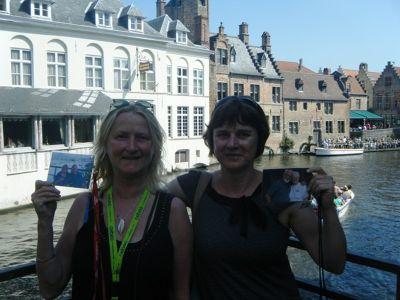 322761186087108-Walking_the_..ose_Brugge.jpg