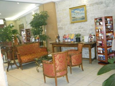 5884686-Hotel_Cujas_Pantheon_Paris_Paris.jpg