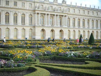 5884809-Gardens_of_Versailles_Paris_Paris.jpg