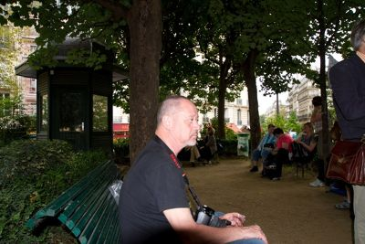 5887226-stevemt_picnics_in_Paris_Paris.jpg