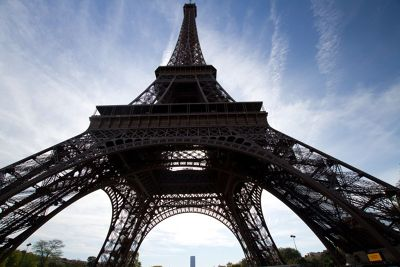 5891634-Eiffel_Tower_Paris_Paris.jpg