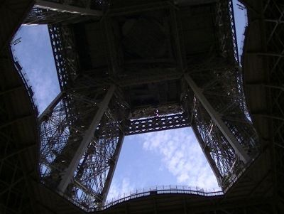 5891643-Eiffel_Tower_Paris_Paris.jpg