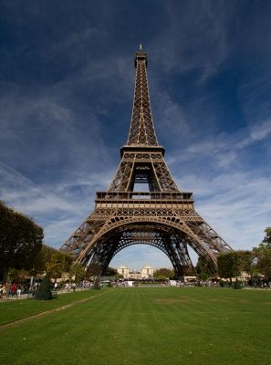 5891649-Eiffel_Tower_Paris_Paris.jpg