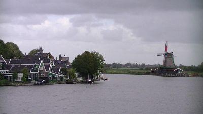 5908918-Windmills_of_Zaanse_Schans_Amsterdam.jpg