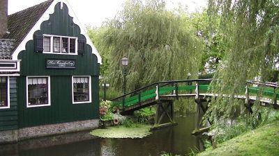 5908968-A_Day_trip_to_Zaanse_Schans_Amsterdam.jpg