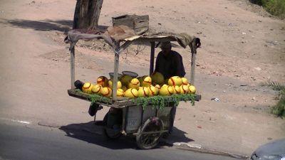 593226326027691-Street_Vendo.._Marrakesh.jpg