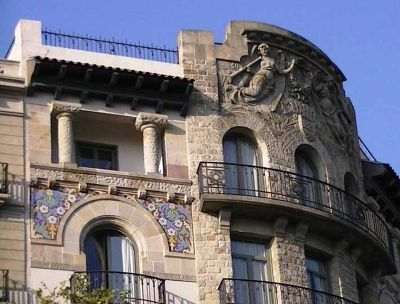 720040306056870-Quaint_build.._Barcelona.jpg