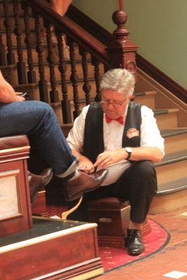 Shoe Shiners with Red Bow Ties still exist.