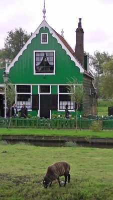 93556105908946-Quaint_house.._Amsterdam.jpg